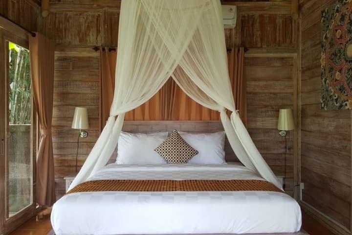 Balinese Wooden House - Tegallalang Ubud Bali