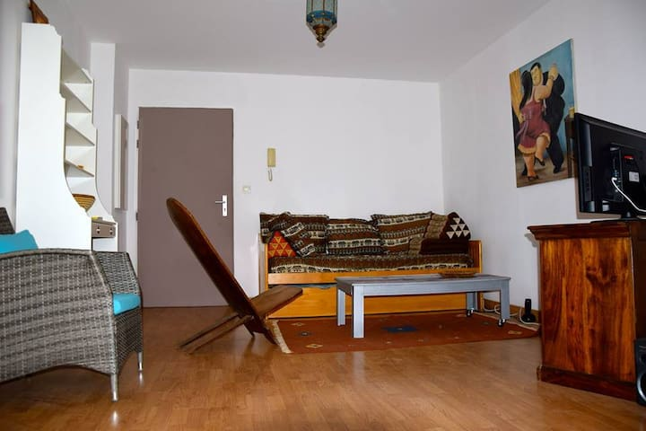 Spacieux appartement T2 avec jardin - Plateau-Caillou - Byt