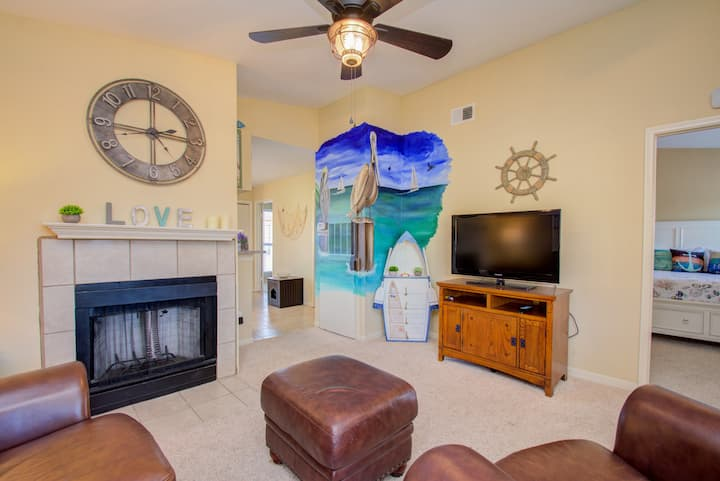 Beautiful Beachside Condo in Galveston !