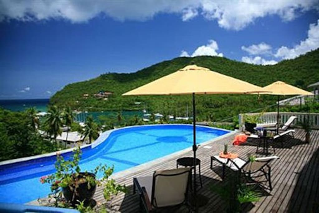 Infinity pool with view of Marigot Bay