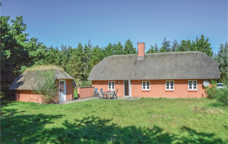 Holiday cottage with 3 bedrooms on 95m² in Ulfborg