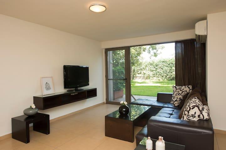 Pleasant Duplex in Siwar Center