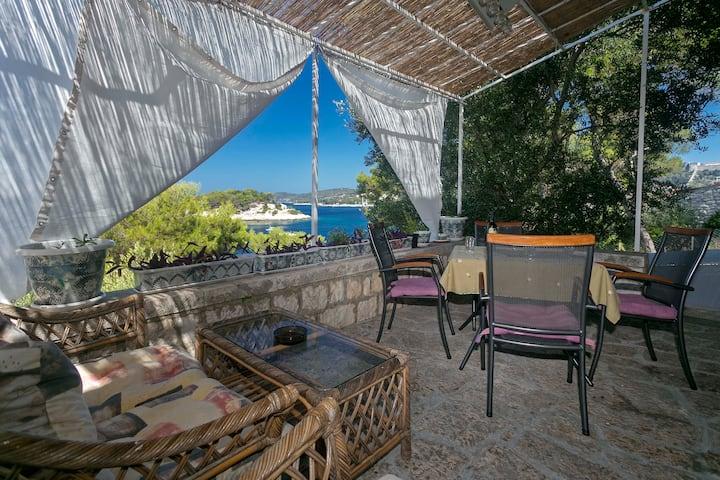 Golden Way Villa - Beachside Hvar