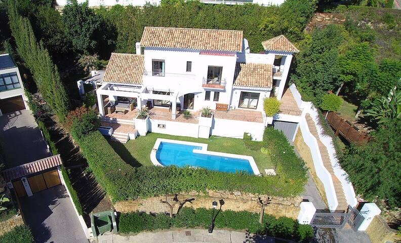 Villa, sea views, private pool