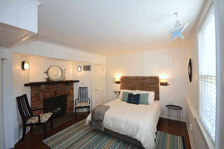 Stylish, Historic, Lower Level Apartment - Winston-Salem - อพาร์ทเมนท์