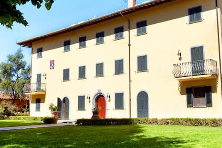 Large villa with pool - ask for last minute offers - Fucecchio - Hus