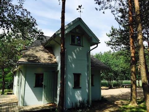"""Dom nad Bugiem """"Ptaki w Ziołach"""""""