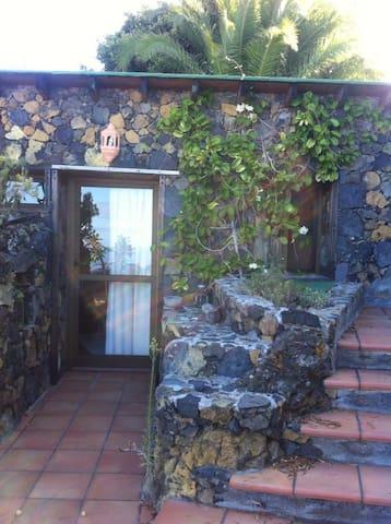 La Bodega, vistas al mar y jardín. - Los Llanos - Haus