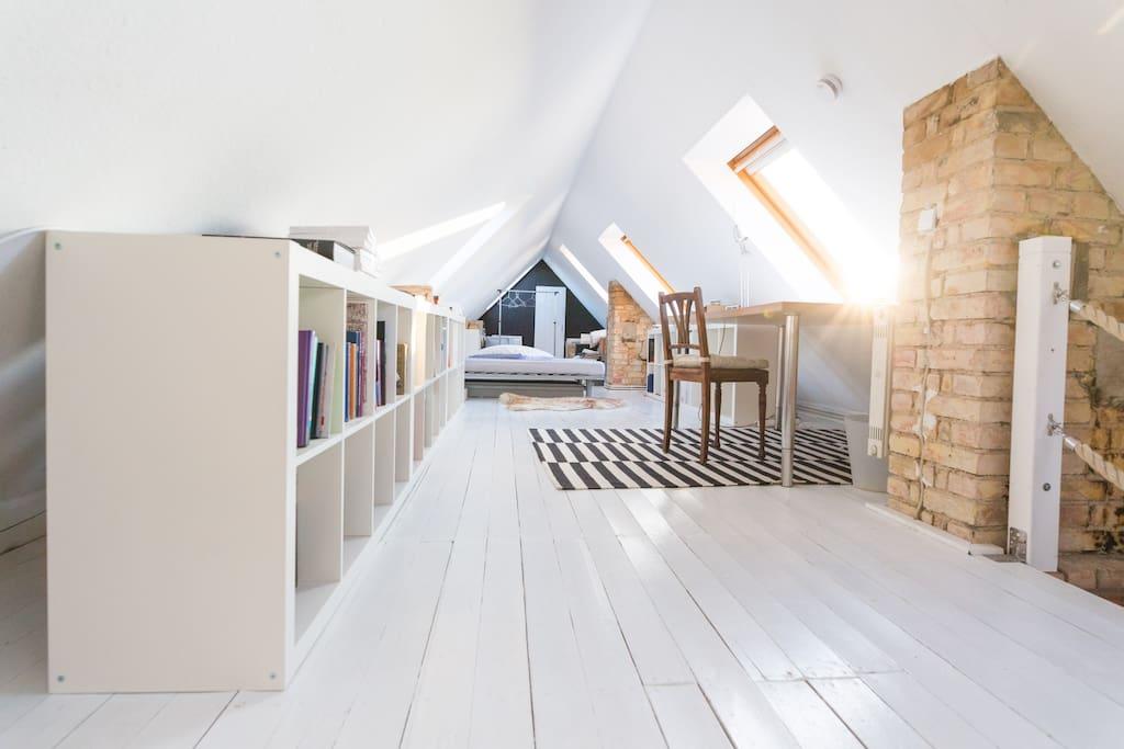 atelierwohnung mit kamin wohnungen zur miete in rostock mecklenburg vorpommern deutschland. Black Bedroom Furniture Sets. Home Design Ideas