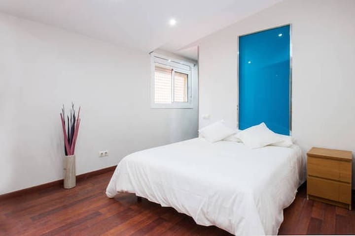 Room With Private Bathroom For Rent Barcelona