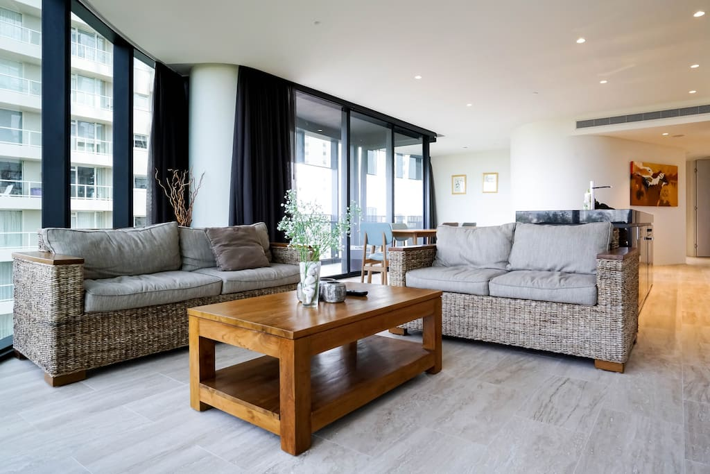 High Quality Furnitures in Living Room