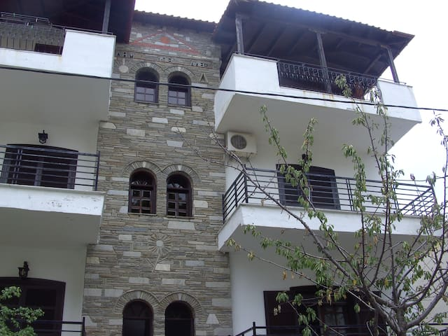 alexandra studios 37 - Neos Marmaras - House