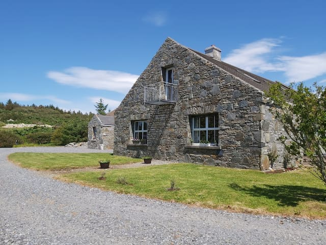 Shanakeever Farm 2 - Clifden Country Homes