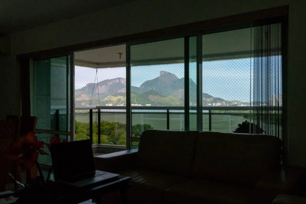 "balcony with great view of ""Pedra da Gávea"""