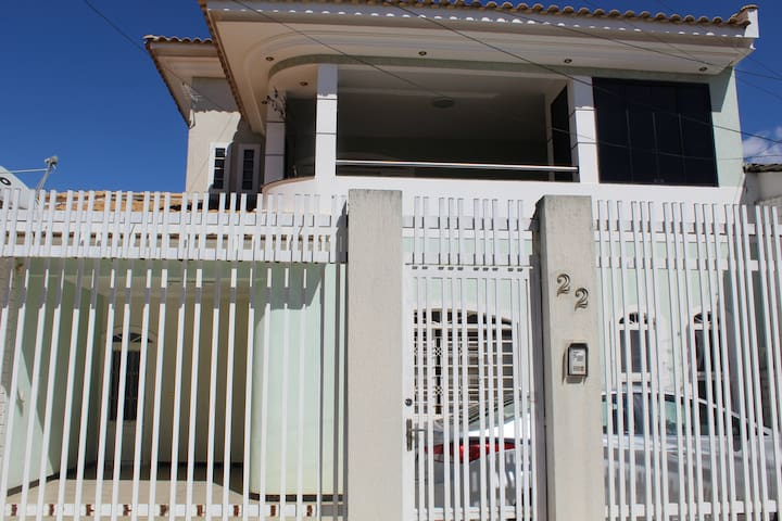 Excelente casa no Guará 2 com WiFi e garagem