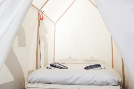 Tent 0.5 | Dutch design week |pop-up hotel - Eindhoven