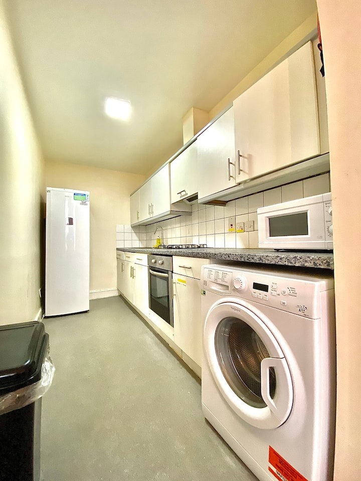 Lovely 1 Bed Flat in Chelsea!