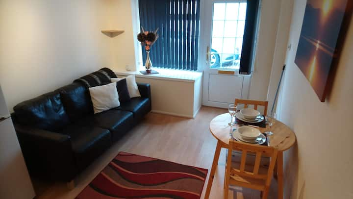 Cute and Cosy 1 Bedroom Mews Cottage