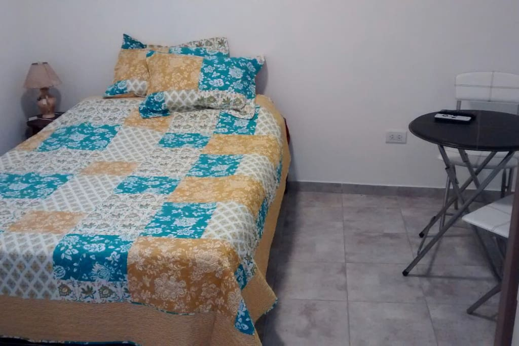 Cómoda cama matrimonial