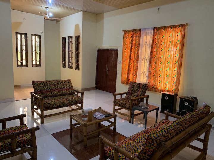Ma Waningye House: NGO hostel + Breakfast + Visit