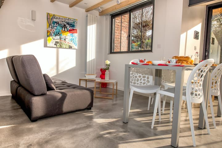 Connected house 2 bedrooms terrace private parking