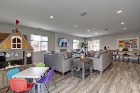 Luxury Retreat Home near Downtown Disney & Beach ☀