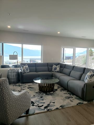 Bright, Spacious, Comfortable.  Did we mention reclining sofa?
