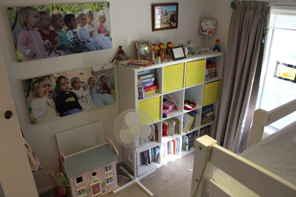 Kids bedroom with bunk beds, wall heating
