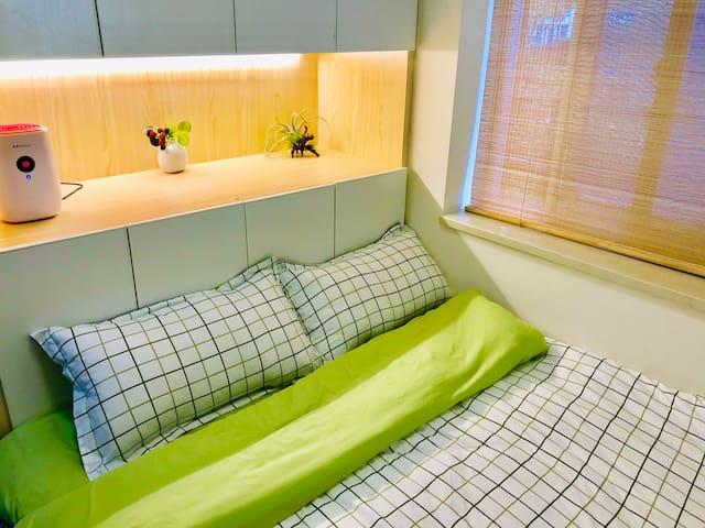 杭州主城区地铁口五米,新裝温馨小屋。(离火車站东站一站地铁)