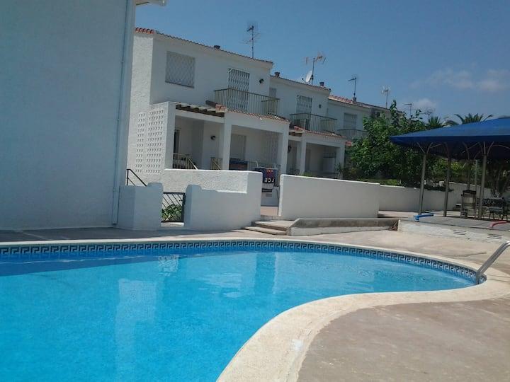 Apartamento 1 línea de mar con piscina