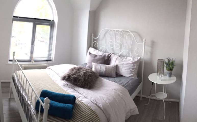 Eskdaill Comfy 2 bed apartment/SUPERB location