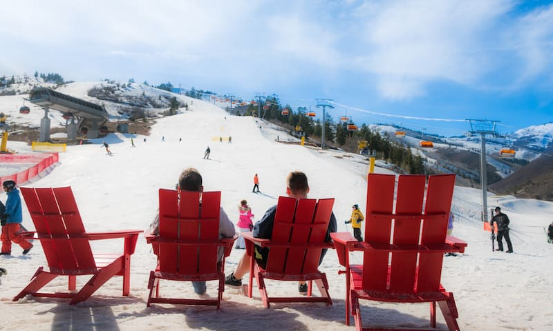 Relax with an amazing view of the ski run!