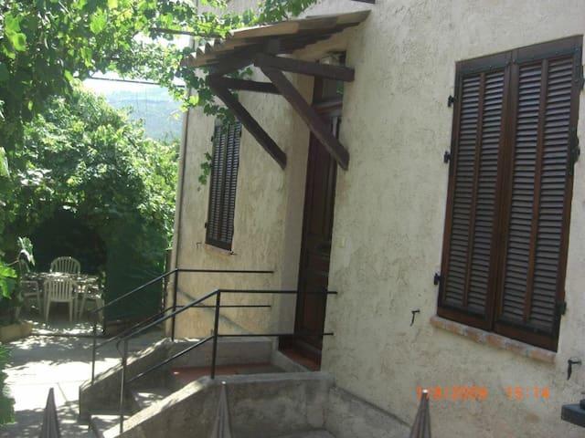 """""""la Treille"""" RDC 35 M2 dans maison - La Roquette-sur-Siagne - Leilighet"""