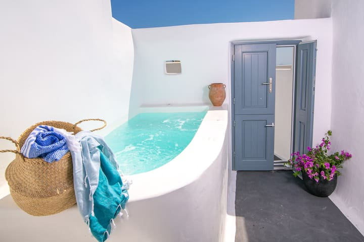 Luxury Demeter Cave House for 2 -  Adults Only