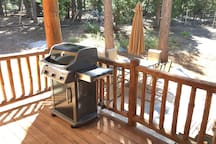 Lower deck with Weber BBQ