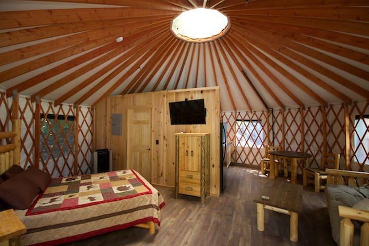 Glamping: Lantana Yurt  in Marion, North Carolina