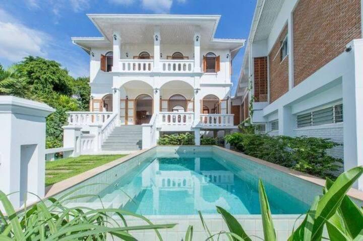 独栋别墅带私人泳池BTS pumnavit