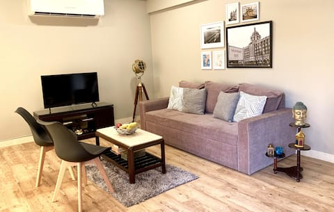 Spacious and Bright 2 BHK in Bandra, Linking Road