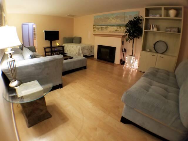 Daytona Beach Shores Private 1 bedroom