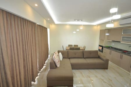 Amazing and quiet apartment for relaxing)