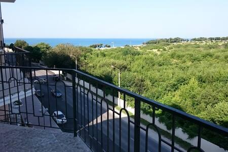 Уютная 2х квартира с видом на море - Gelendzhik - Apartment