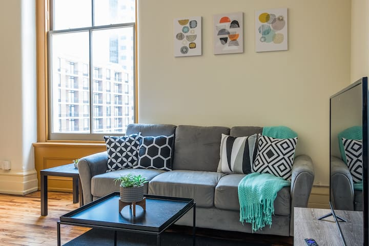 Modern Louisville Flat in Downtown