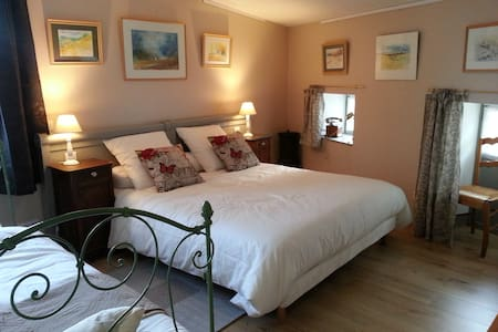 Chambre MARIE Le Relais St Jacques - Bed & Breakfast