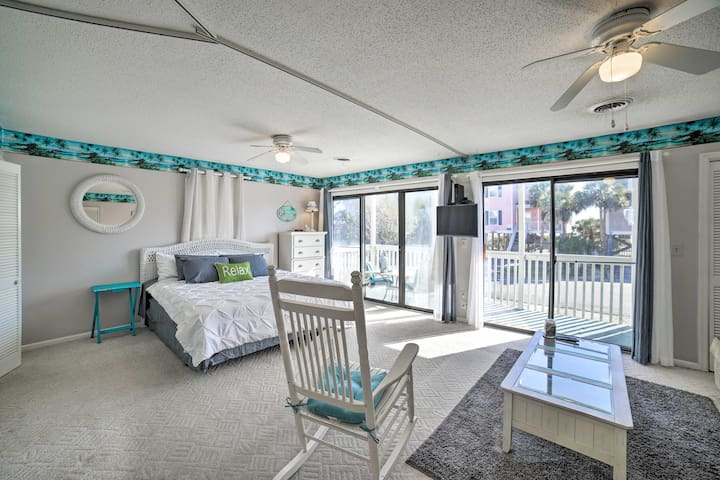 Studio w/Balcony, 1-Block Walk to Surfside Beach!