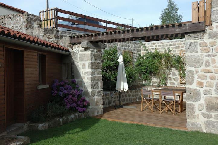 Gîte rural au pays de Saugues - Charraix - Casa