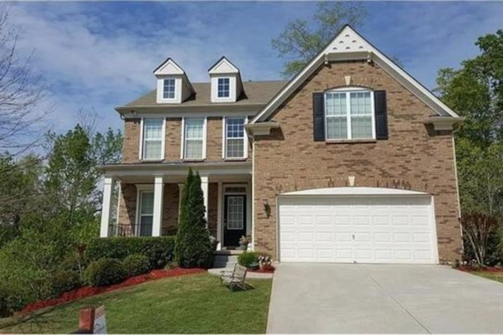 Beautiful home 7 bedroom home 4 full baths with finished basement