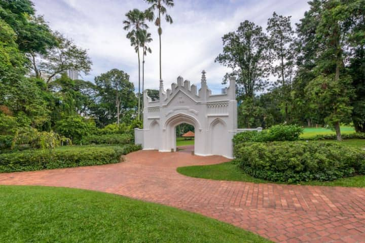 Explore Fort Canning - 3BR Apartment