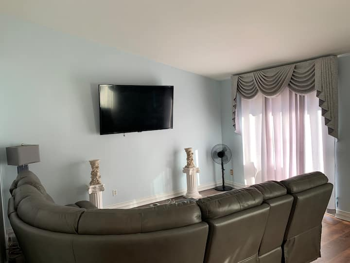 NEWLY RENOVATED CONDO 2 BEDS 2 BATHS