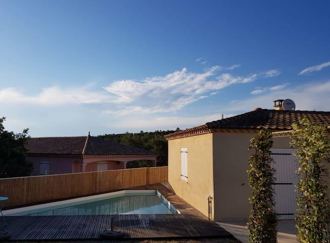 Maison proche garrigue avec piscine