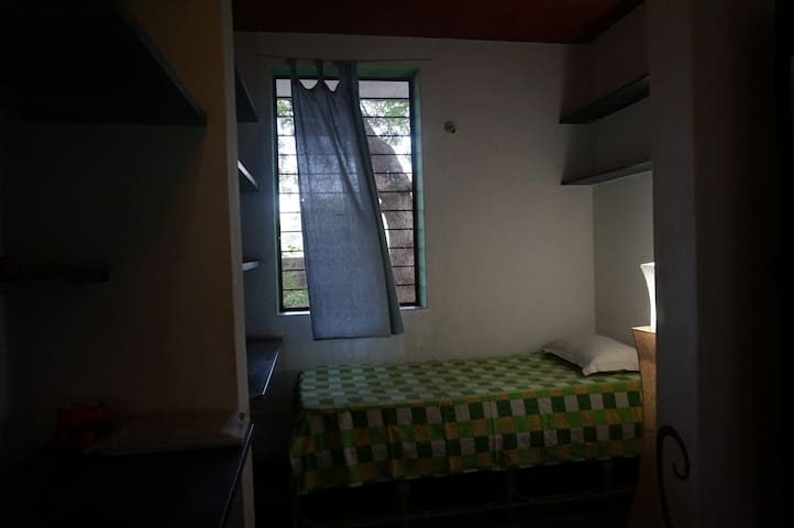 Kipaak Home Stay Single Bed